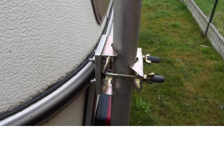 mâts d'antenne, exemples de fixation sur nos cagouilles Diapos90