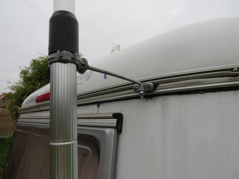 mâts d'antenne, exemples de fixation sur nos cagouilles Img_7211