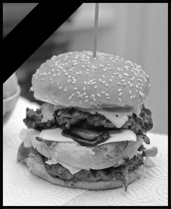 Na trpezi - Page 2 Burger10