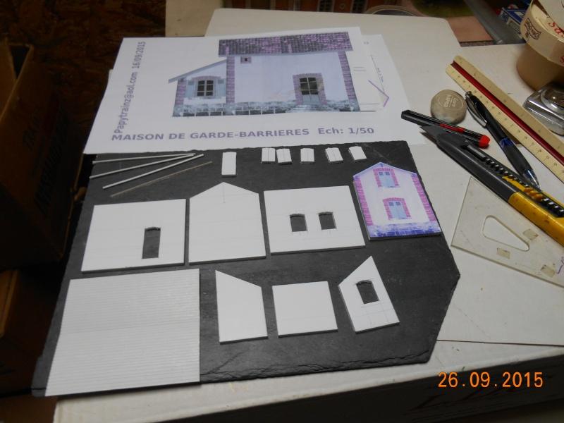 Construire un bâtiment de A à Z : une maison de garde-barrières Dscn1232