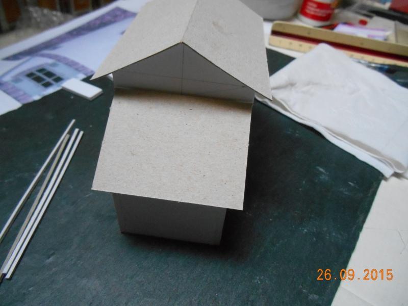 Construire un bâtiment de A à Z : une maison de garde-barrières Dscn1322