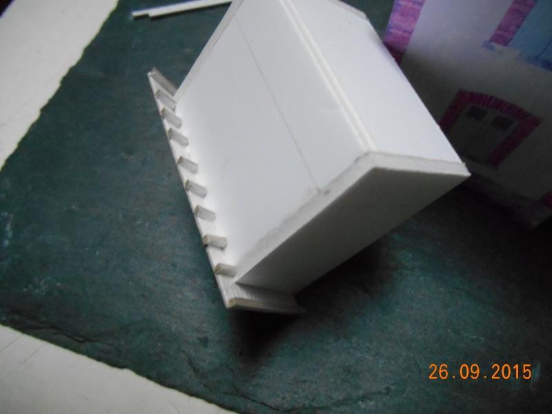 Construire un bâtiment de A à Z : une maison de garde-barrières Dscn1324