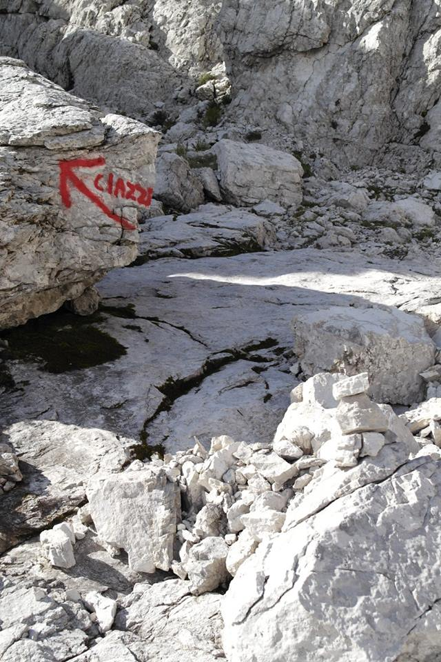 Ultime dalle Ciazze Alte... (segnalazioni abusive/Dolomiti d'Oltrepiave) 12032010