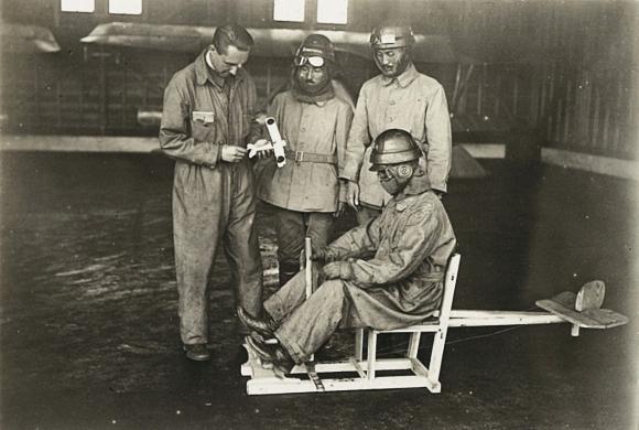 Französischer Flugsimulator 1918 - Diorama Maßstab 1:16 Img-4-10
