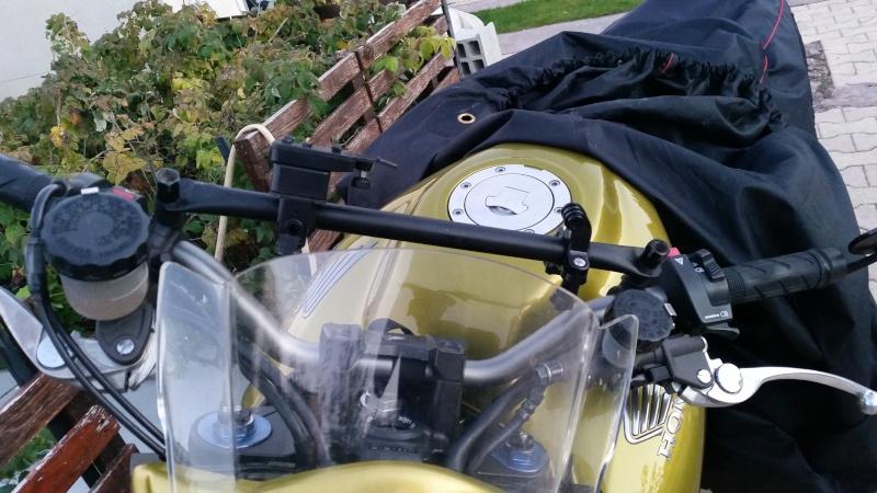 Une modification pour GPS et Gopro sur CB1000R  20151013