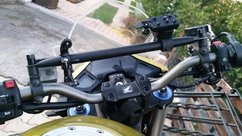 Une modification pour GPS et Gopro sur CB1000R  20151014