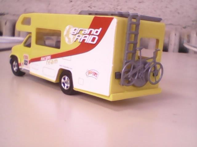 N°3030.1 - Winnebago Camping car C210
