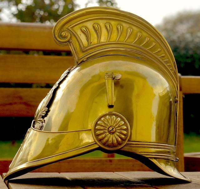 Evolution du casque de pompier FR 1812-2015 1830_p10