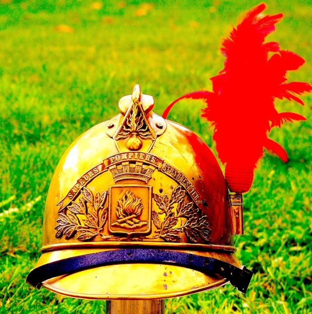 Evolution du casque de pompier FR 1812-2015 188510