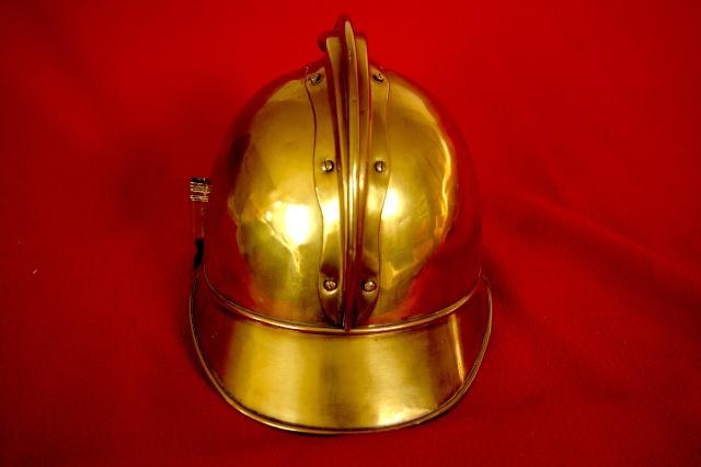 Evolution du casque de pompier FR 1812-2015 85_dos10