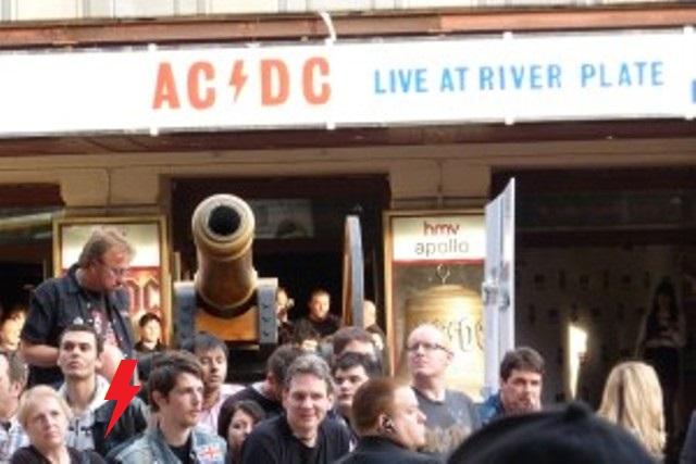 2011 / 05 / 06 - UK, London, Hammersmith apollo 237