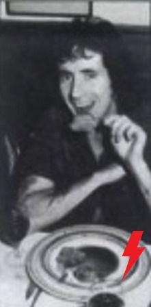 1977 - Scampis  240