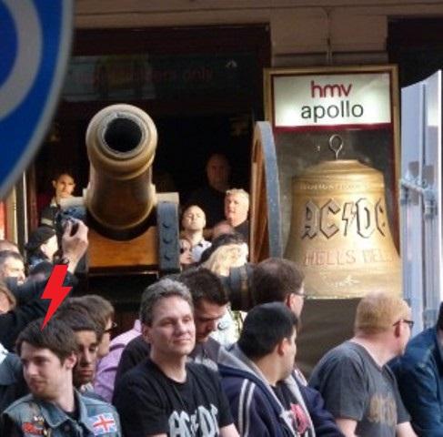 2011 / 05 / 06 - UK, London, Hammersmith apollo 333