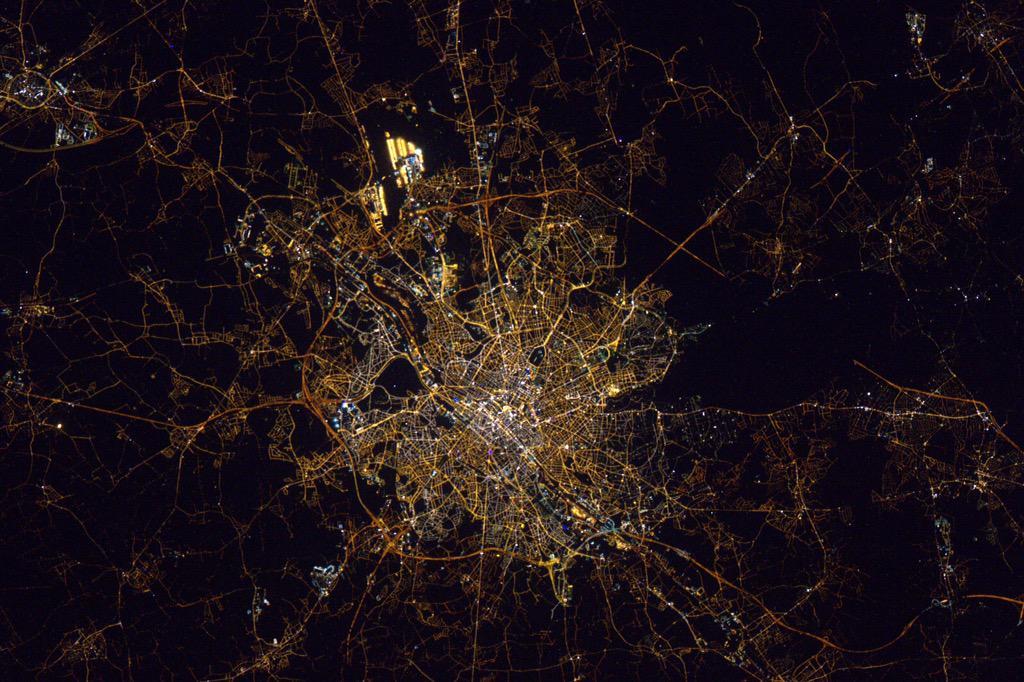 Bruxelles vue de l'espace Bruxel10