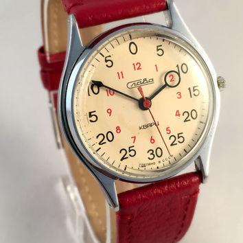 Comment lire l'heure en russe sur une Slava Quarz-10