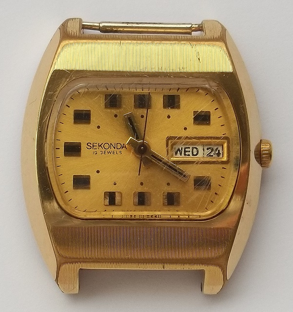 Une TV Dial from the seventies Sekond10