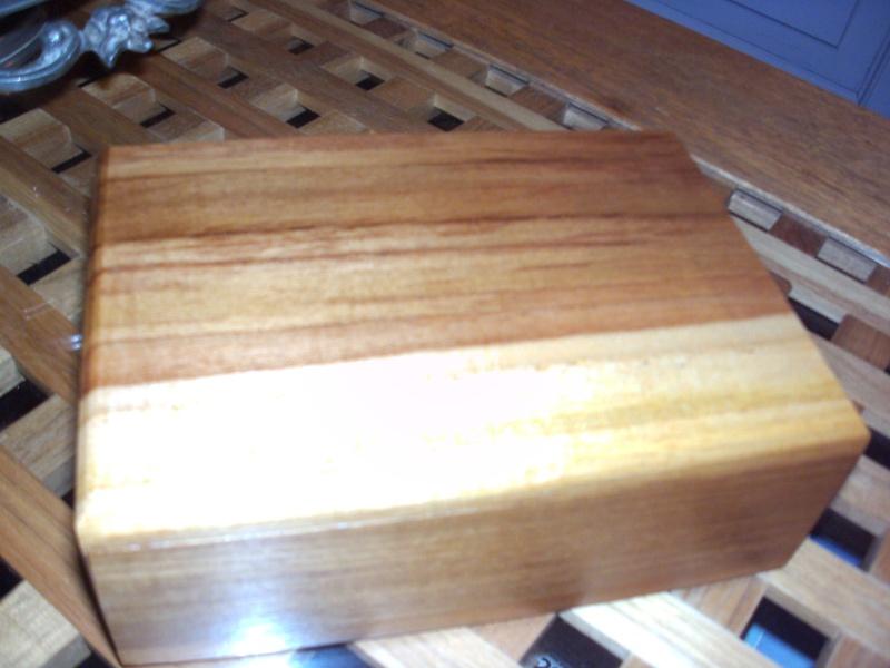 aide pour identifier une essence de bois Boite_10