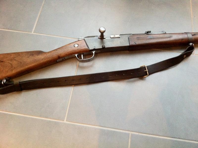 Bretelle cuir....pour quelle arme ? Img_2712