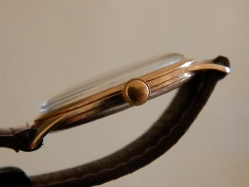 Comment ouvrir un boite de montre en or LIP? P1010210