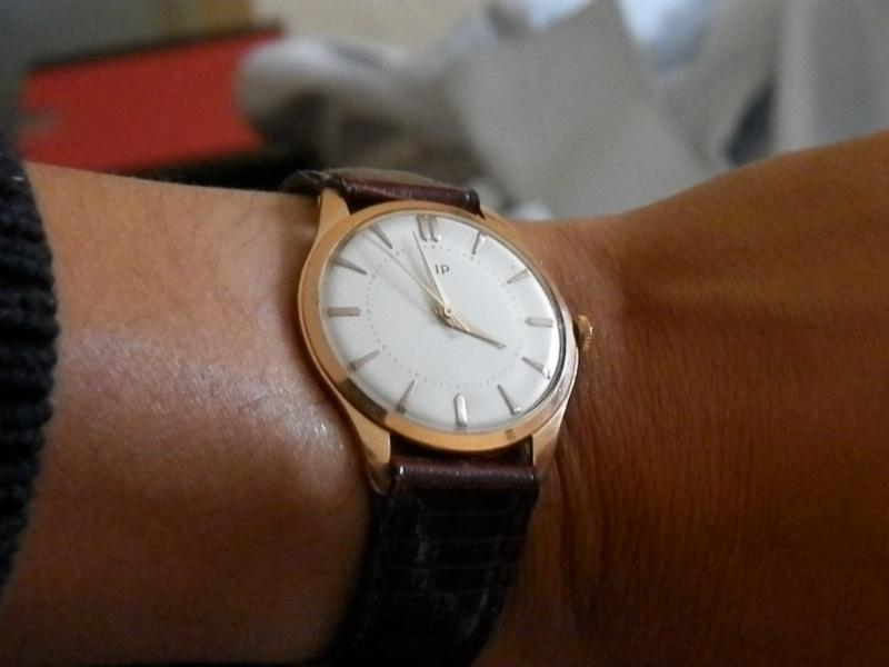 Comment ouvrir un boite de montre en or LIP? P1010212