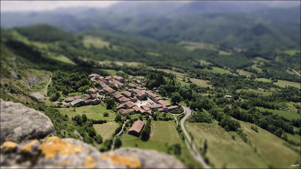 Un tout petit village Lmb_3812