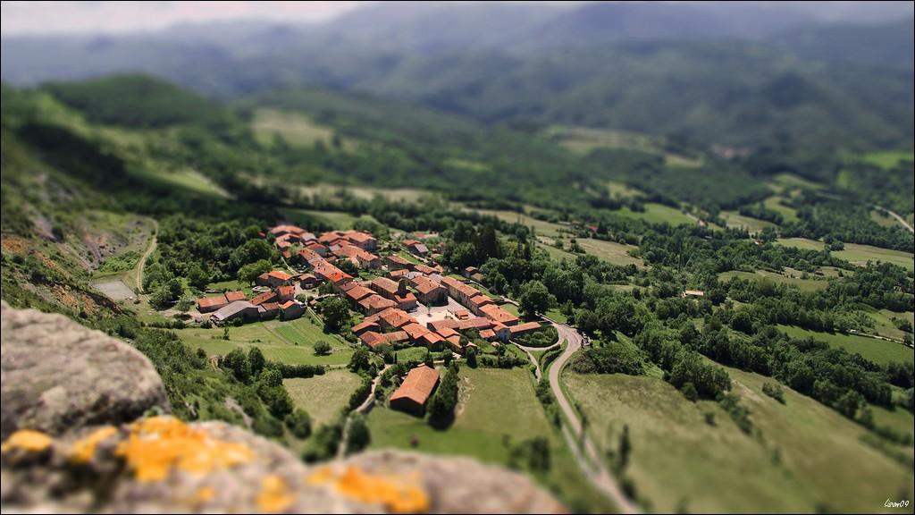 Un tout petit village Lmb_3814