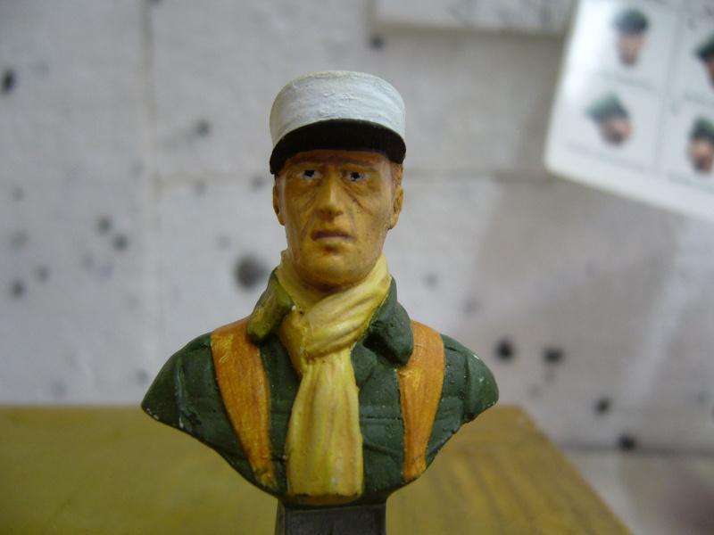 Buste légionnaire français 60 mm, marque inconnue en résine, qualité médiocre..... P1030015