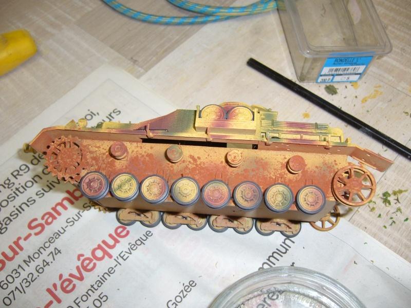 Sd.Kfz. 163 Sturmgeschütz IV Tamiya + chenilles Tamiya + Zimmerit Eduard +canon RB Model - 1/35 - Page 9 P1030131