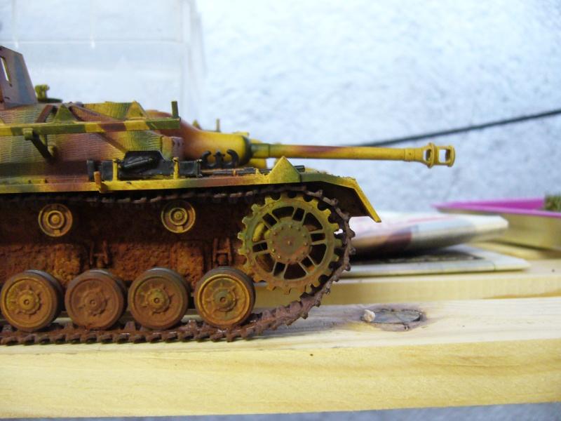 Sd.Kfz. 163 Sturmgeschütz IV Tamiya + chenilles Tamiya + Zimmerit Eduard +canon RB Model - 1/35 - Page 9 P1030140