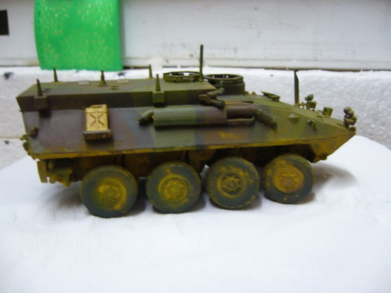 LAV 25 version command vehicle - ESCI - 1/35 from the box - Page 4 P1030213