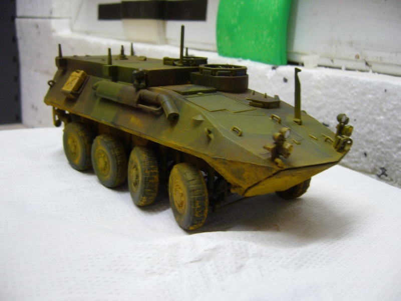 LAV 25 version command vehicle - ESCI - 1/35 from the box - Page 4 P1030214