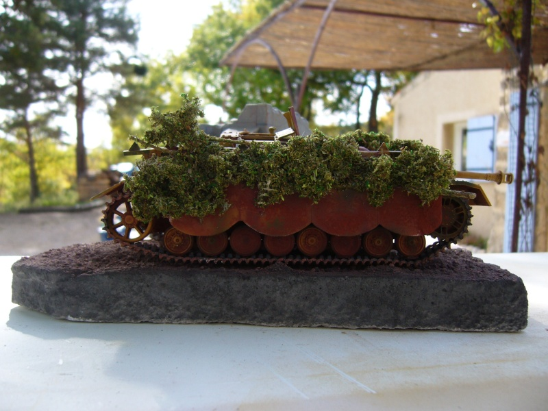 Sd.Kfz. 163 Sturmgeschütz IV Tamiya + chenilles Tamiya + Zimmerit Eduard +canon RB Model - 1/35 - Page 10 P1030229