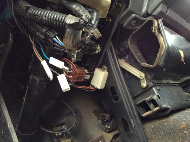 Câblage sous volant  Image11