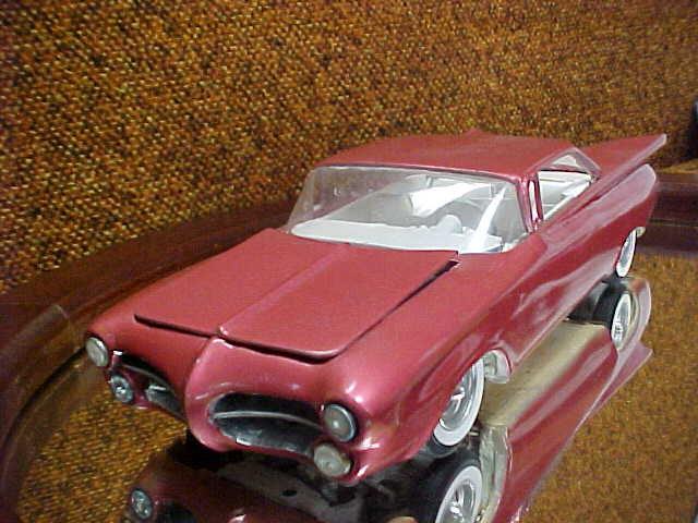 Vintage built automobile model kit survivor - Hot rod et Custom car maquettes montées anciennes - Page 2 47882_10