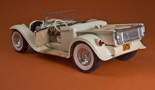 Vintage built automobile model kit survivor - Hot rod et Custom car maquettes montées anciennes - Page 2 58747_12