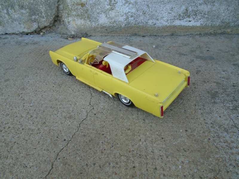 1962  Lincoln Convertible - 3 in 1 Customizing kit - 1/25 scale - Amt - Dsc00063