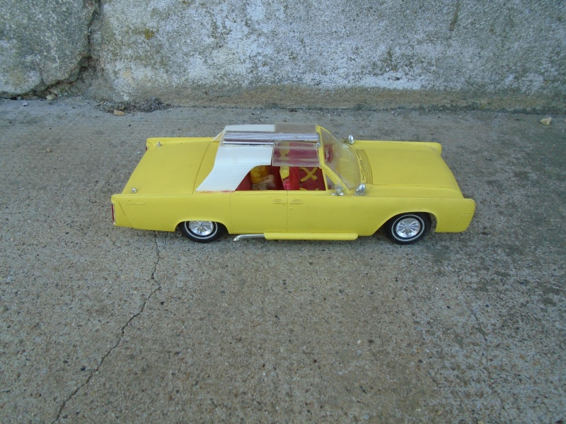 1962  Lincoln Convertible - 3 in 1 Customizing kit - 1/25 scale - Amt - Dsc00064