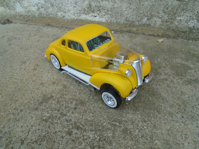 1937 Chevy coupe - Amt - 1/25 scale Dsc00074