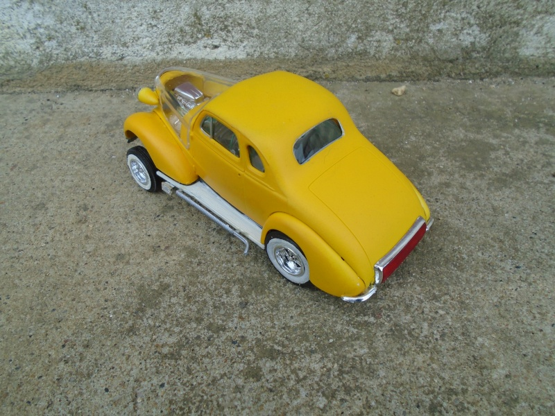 1937 Chevy coupe - Amt - 1/25 scale Dsc00075