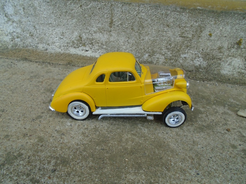 1937 Chevy coupe - Amt - 1/25 scale Dsc00076