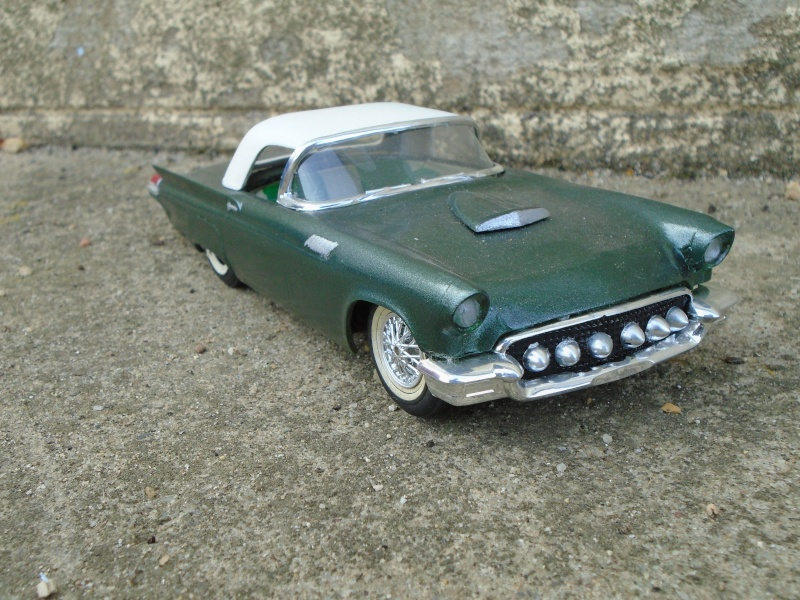 1957 Ford Thunderbird - Customizing kit  - Trophie Series - amt - 1/25 scale Dsc00318