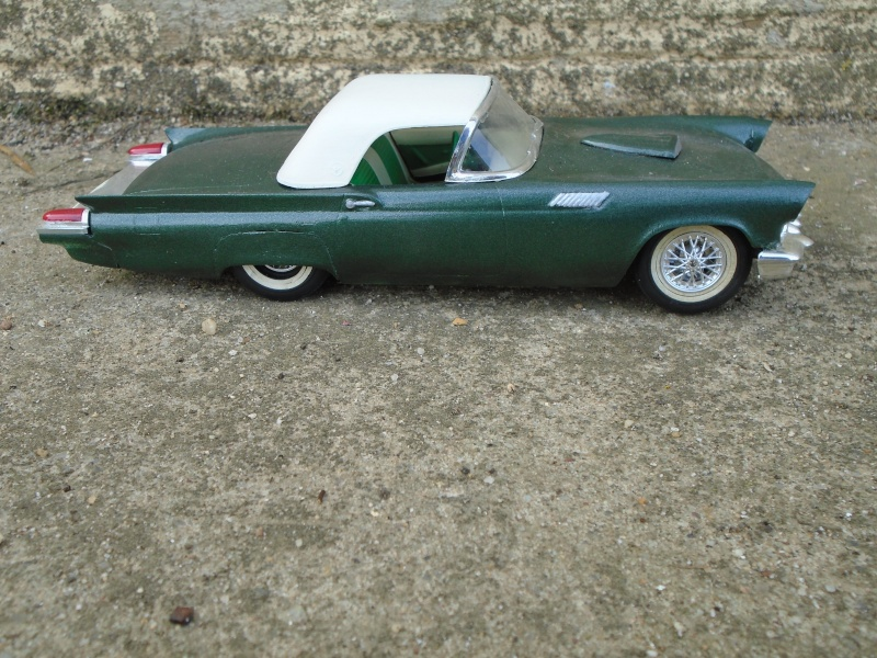 1957 Ford Thunderbird - Customizing kit  - Trophie Series - amt - 1/25 scale Dsc00320