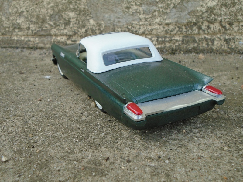1957 Ford Thunderbird - Customizing kit  - Trophie Series - amt - 1/25 scale Dsc00321
