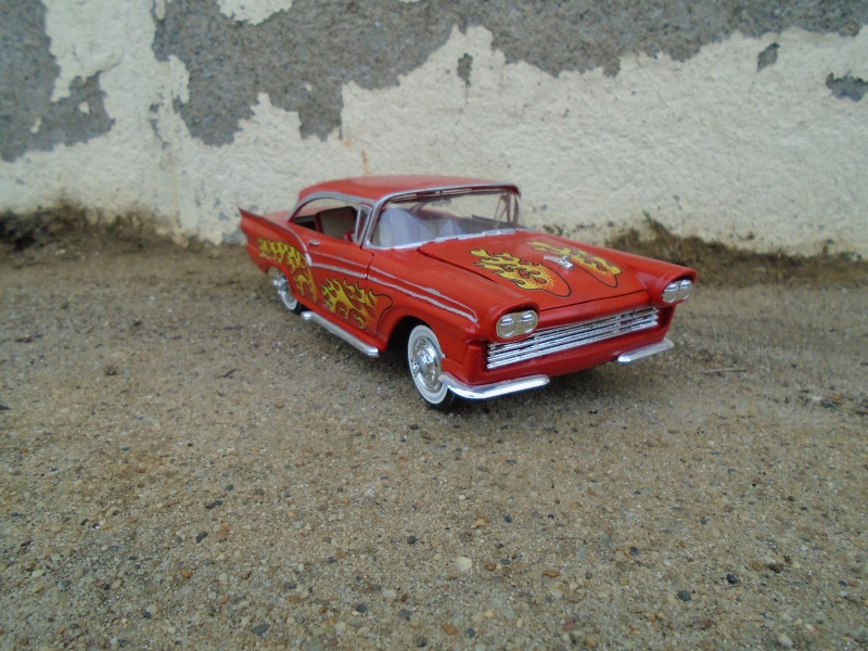 1957 Ford - Trophy series - 3 in 1 - 1/25 scale - Amt -  Dsc00328