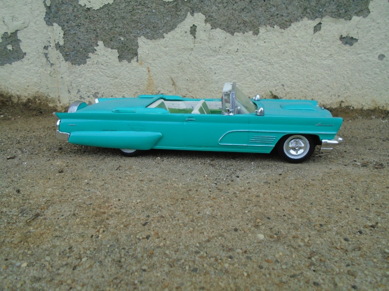 1960 - Lincoln continental convertible - customizing kit amt - 1/25 scale Dsc00345