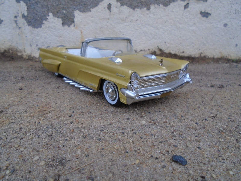 1959 Lincoln continental  - customizing kit - Amt - 1/25 scale Dsc00346