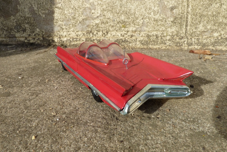 1955 Lincoln Futura - Concept car - Revell - 1/25 scale P1060717