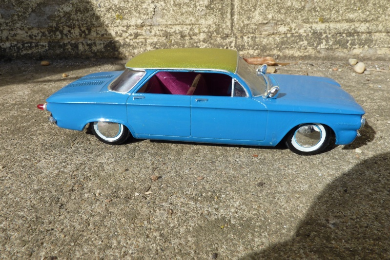 1961 Chevrolet Corvair - Customizing kit - amt - 1/25 scale P1060739