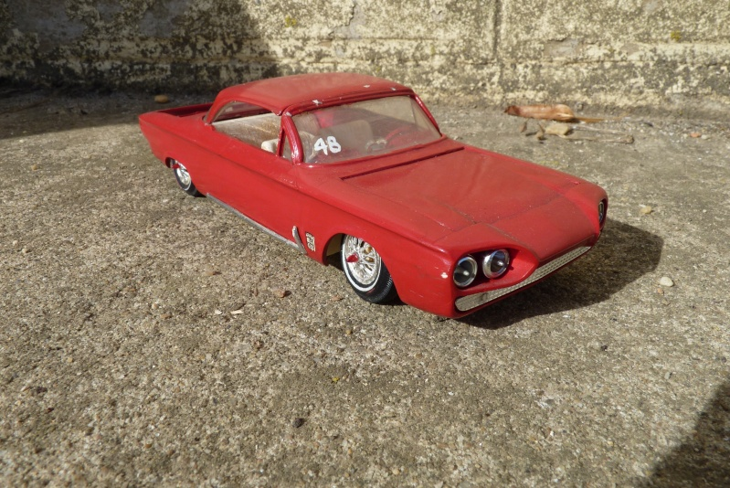 1962 Chevrolet Corvair - Customizing kit - amt - 1/25 scale P1060740
