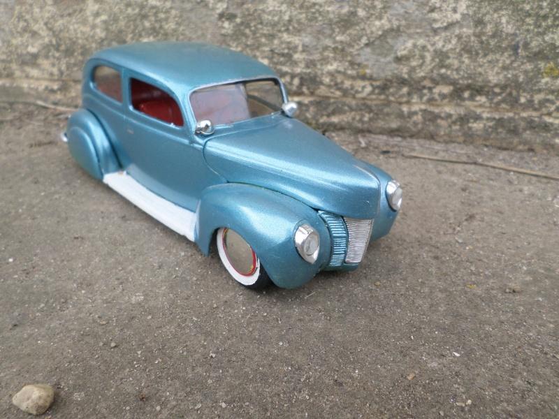 1939 - 40 Ford  Sedan - amt - trophy series 3 in 1 - 1/25 scale Sam_2652